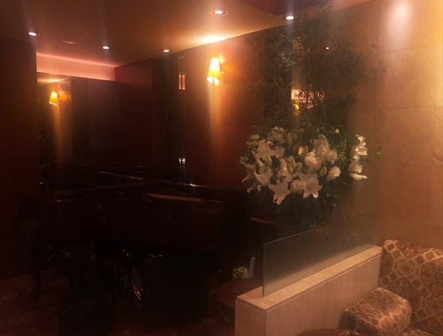 クラブピアノ店内3